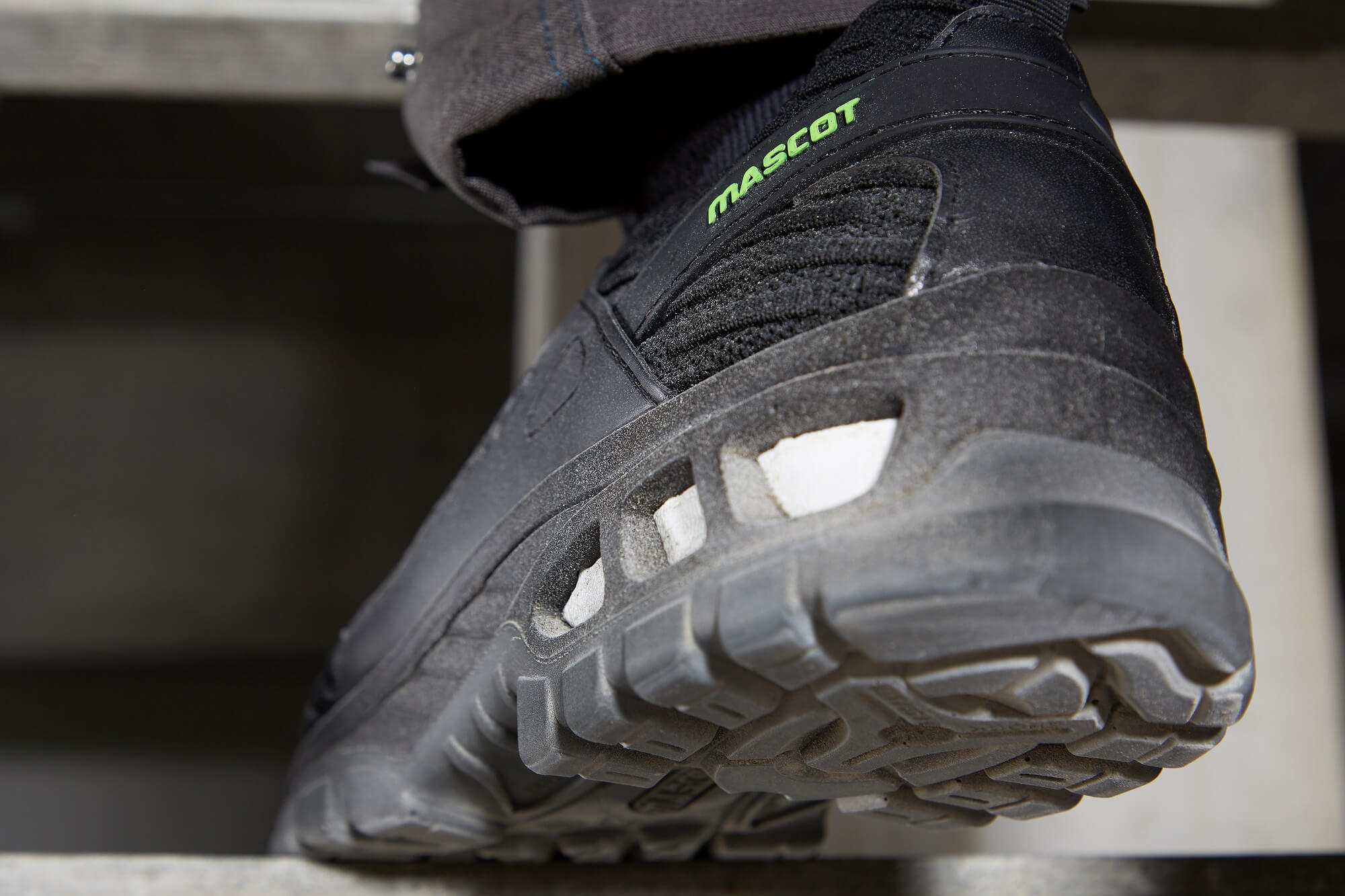 Safety Shoe Black - MASCOT® FOOTWEAR ENERGY - Environment