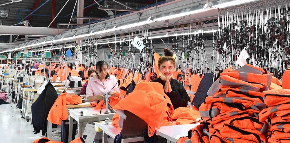 Good, safe and secure working conditions in production - New Years Laos - New factory 2019