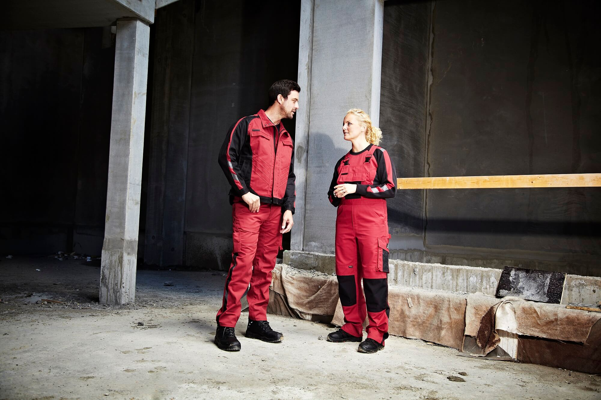 Woman & Man - Environment - Workwear Red