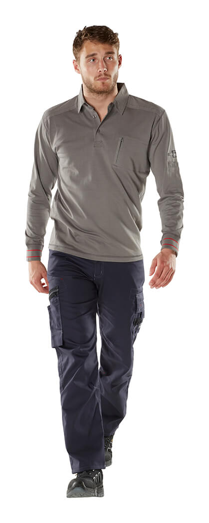 Trousers with thigh pockets - MASCOT® FRONTLINE - Model