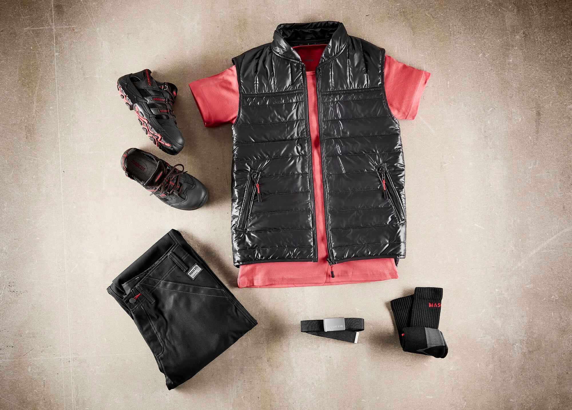Thermal Gilet & Trousers Black - T-shirt Red - Collage