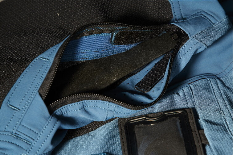Detail - Trousers with kneepad pockets