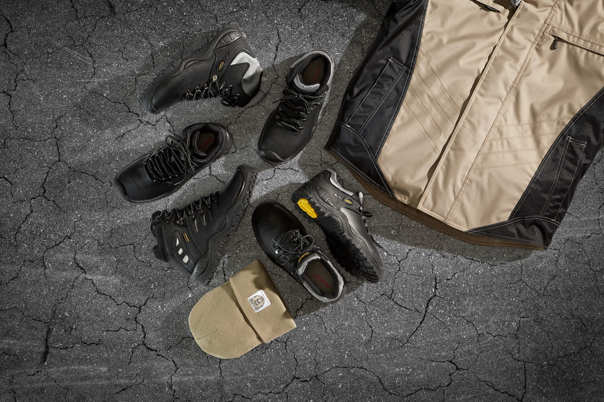 Khaki - Softshell Jacket & Hat + Safety footwear<p />